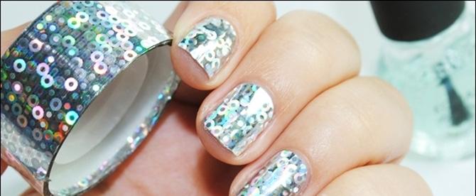 Декор ногтей наклейками